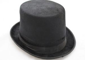 Anna Piaggi und ih Hut