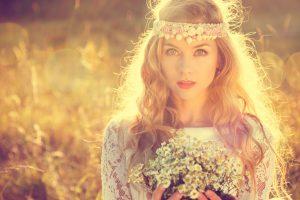 boho-hochzeit-heiraten-im-freien-im-hippie-stil